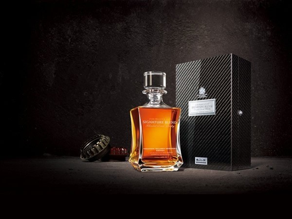 John Walker & Sons Signature Blend Vodafone McLaren Mercedes Edition