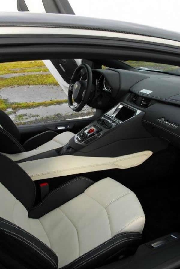 Lamborghini  Aventador LP760-4 Dragon Edition2
