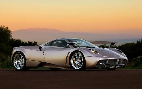 10 самых дорогих машин 2013 года