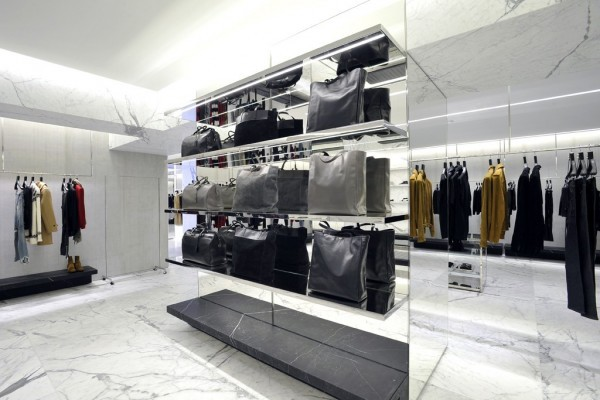 Saint Laurent Avenue Montaigne2