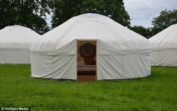 Sir Mick Jagger yurt2