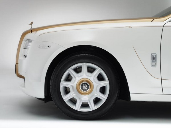 Rolls-Royce Ghost Golden Sunbird2