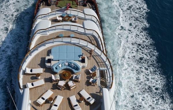 Yacht Nirvana1
