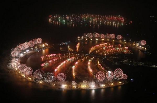 Dubai largest fireworks show
