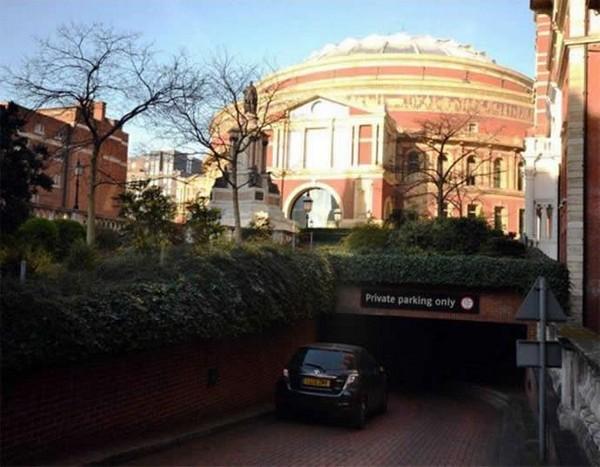 Albert Hall parking