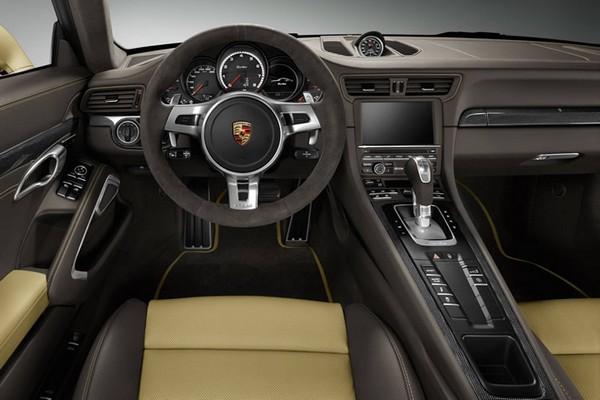 Gold Porsche 911 2