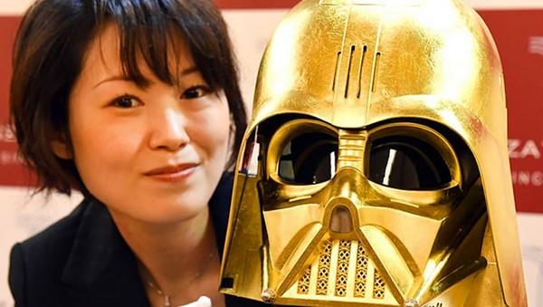Darth Vader a golden