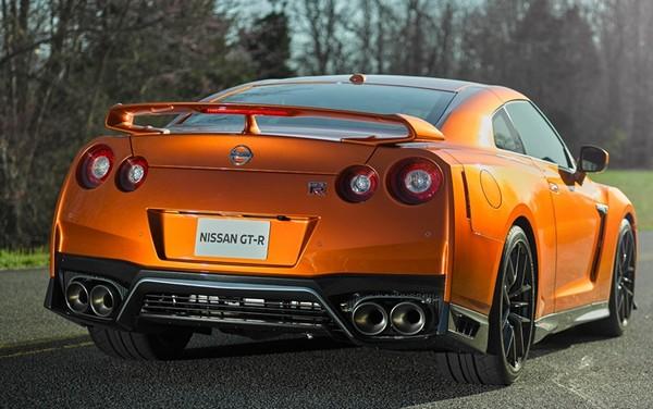 Nissan GT-R_1