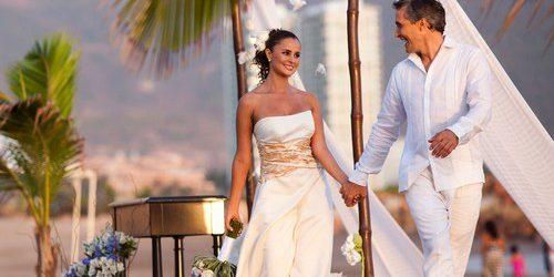 Если вы мечтали о самой невероятной, фантастической и головокружительной свадьбе, которая запомниться на всю жизнь, тогда вам нужно приготовить 2.500.000 долларов. Именно во столько обойдется «Свадьба миллиардеров», которую для вас […]