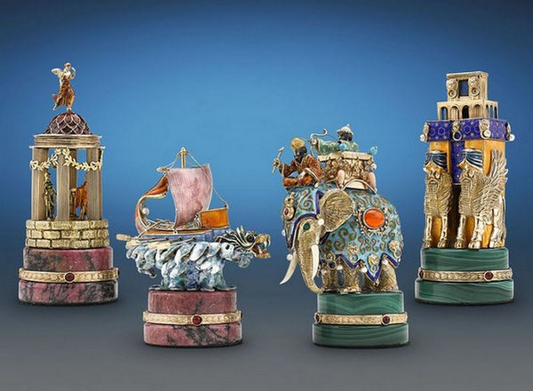 The Battle of Issus Chess Set_2