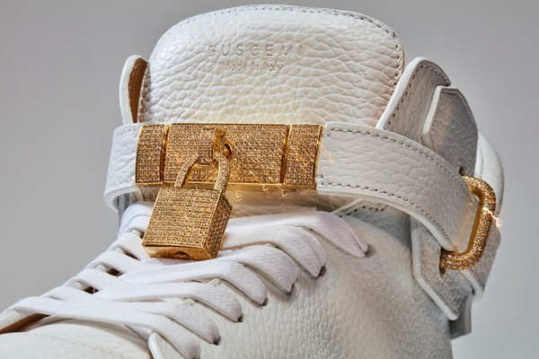 100-mm-diamond-sneaker