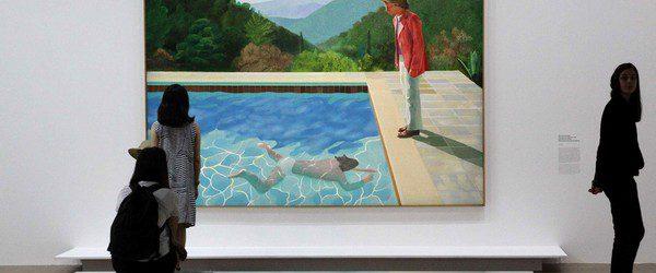 Не всем художником повезло быть признанным при жизни. Британский 82-лемний художник Дэвид Хокни сейчас находиться в шаге от того чтоб стать самым «дорогим» в мире из ныне живущих художников. Его […]