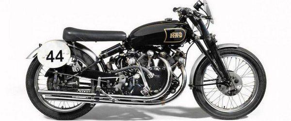 В этом году в Лас-Вегасе с аукциона был продан очень редкий мотоцикл Vincent Black Lightning 1951 года выпуска. На нем гонщик Джек Эрет установил австралийский рекорд скорости, разогнавшись до 228км/ч. […]